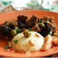 Tajine pruneaux, citrons confits, olives, noix de cajou et coings....