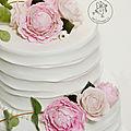 Wedding cake pivoines, roses et eucalyptus