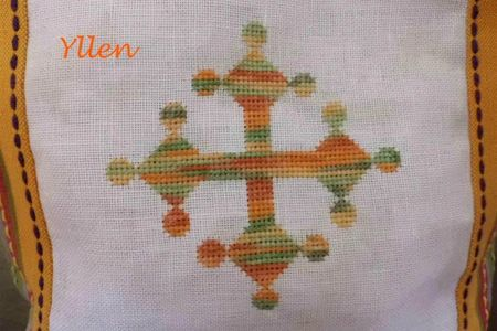 croix occitanne brodée