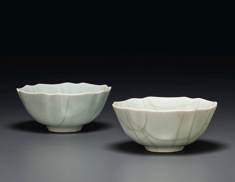2020_NYR_19039_0863_000(a_pair_of_guan-style_foliate_bowls_china_qing_dynasty_daoguang_six-cha034310)
