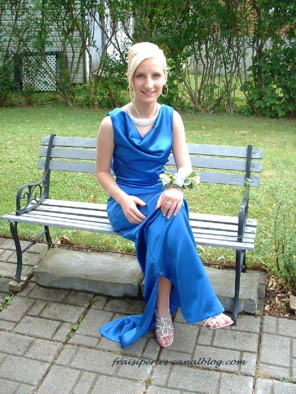 Vanessa graduation 2001