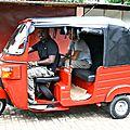 Tuk-Tuk Tourist Day à Kandy avec Saranga