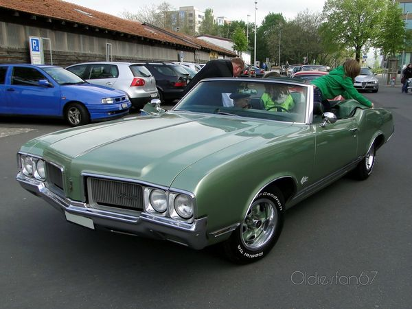 oldsmobile cutlass supreme convertible 1970 4