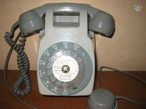 Ancien_telephone_mural752