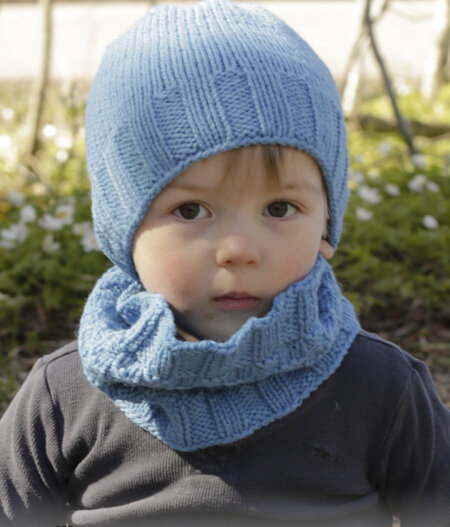 BONNET BLEU ET SNOOD