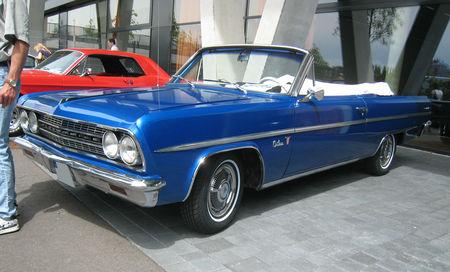 Oldsmobile_F85_cutlass_convertible_01