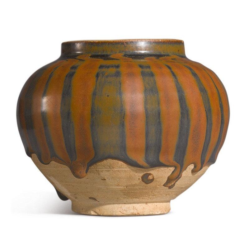 A black-glazed russet-splashed jar, Jin dynasty (1115-1234)