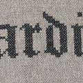 Broderie écriture gothique