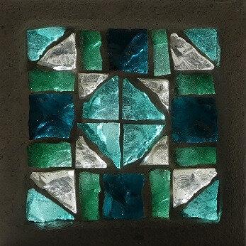 Exemple de coloration d'après une dalle de verre de Clotilde Gontel
