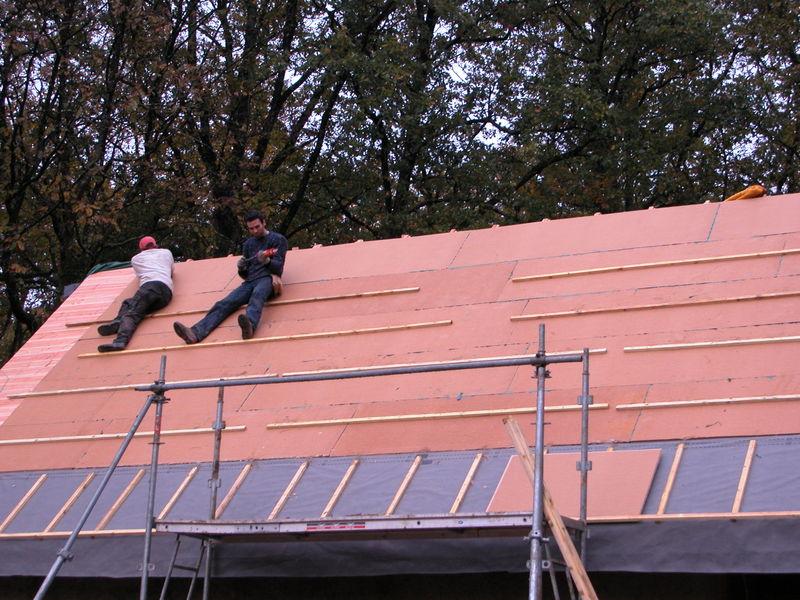 la pose du pare pluie est finie photo de la toiture habiter autrement. Black Bedroom Furniture Sets. Home Design Ideas