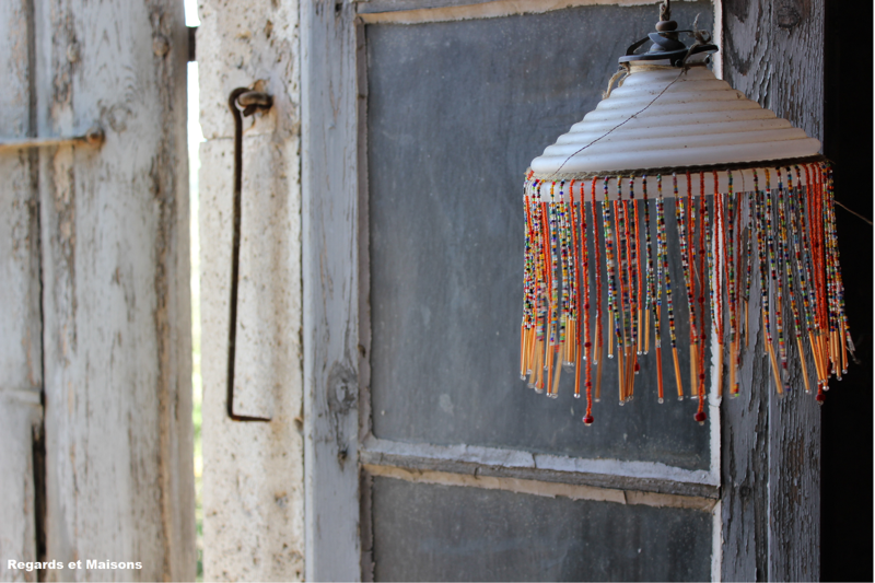 Regards et Maisons Orange Lamp