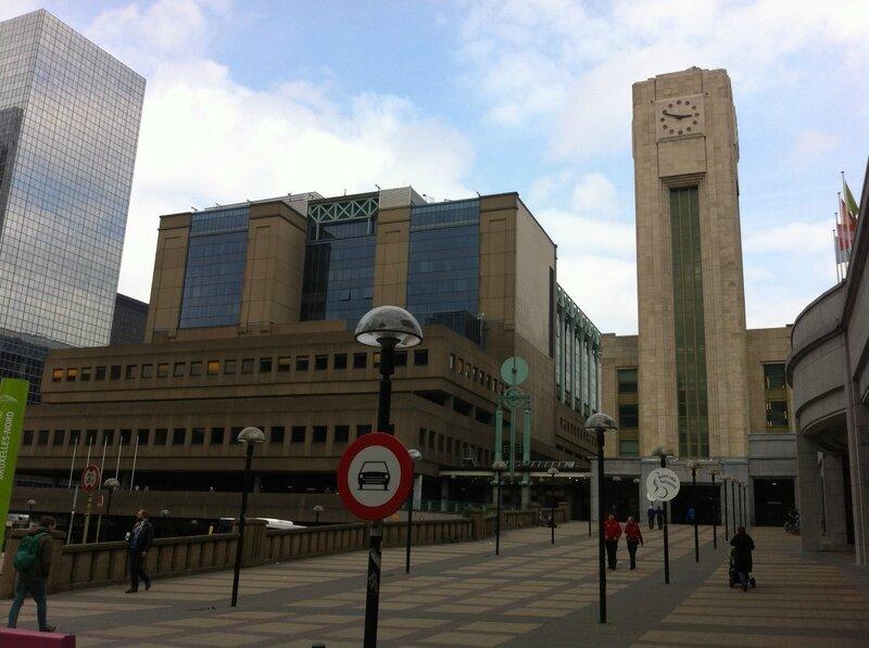 Le bâtiment du CCN (à gauche) dans lequel se trouve la DGTA