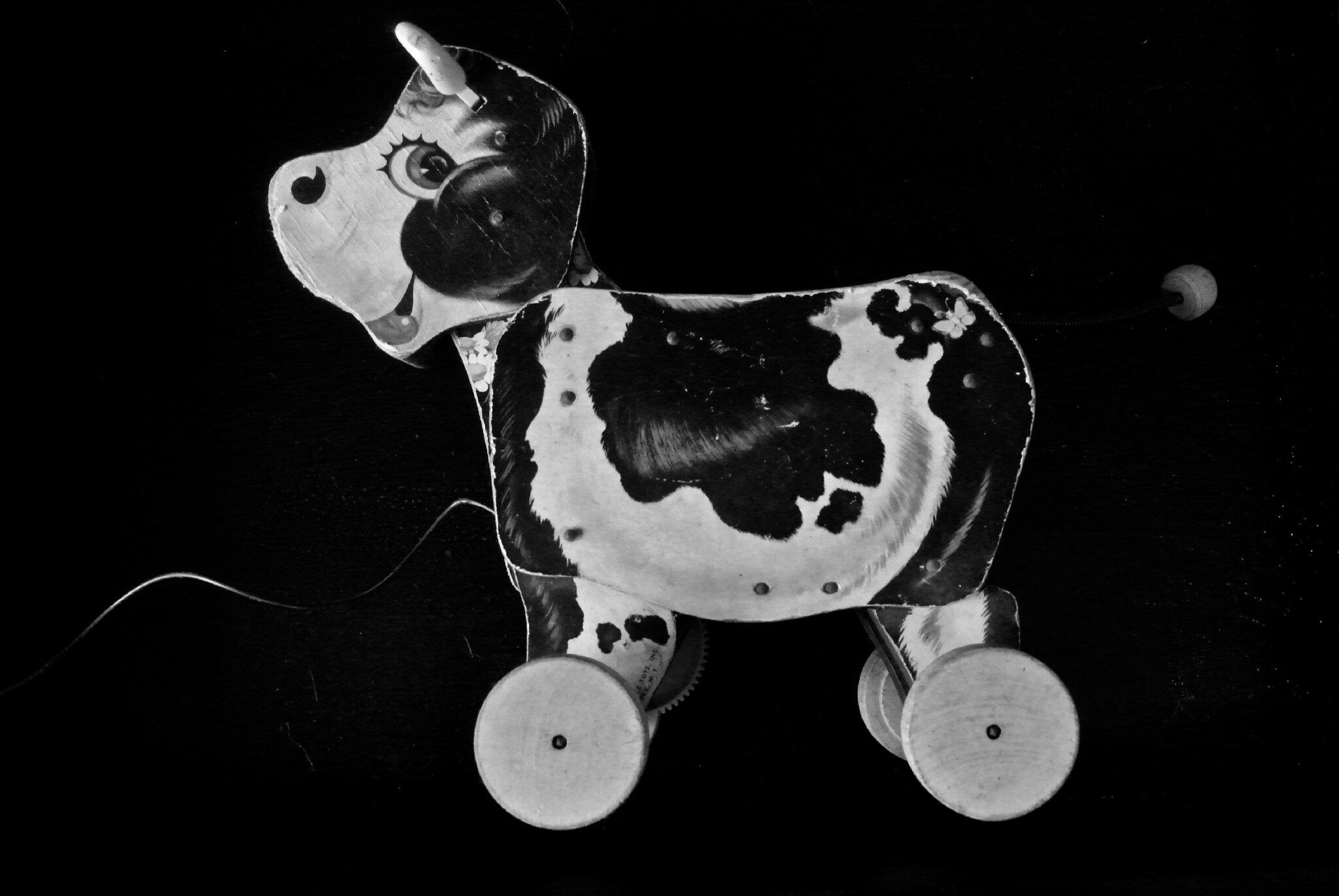 Vache à tirer, jouet vintage