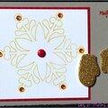 Carte de voeux traditionnelle et hivernale avec flocon et moufles dorées pailletées