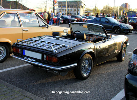 Triumph_Mk_1500_convertible__1974_1980__Rencard_Burger_king_avril_2011__02