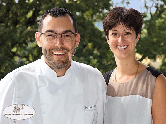 SAINT_MEDARD_restaurant_LE_GINDREAU_Pascal_BARDET_et_son_epouse_Sandrine