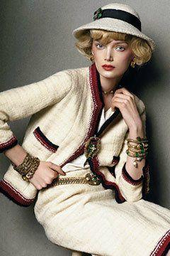Mon coup de coeur... dans la mode... le tailleur Chanel... - Rochelle 96abbe145cb