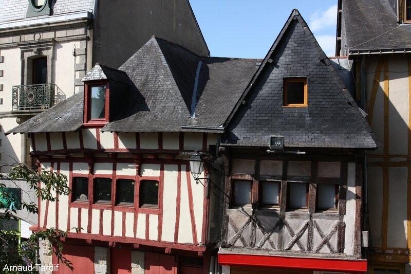002104 Larmor-Baden - La Ville de Vannes - Face à l'église St Patern