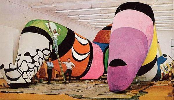 Niki De Saint Phalle-hon-elle-1966