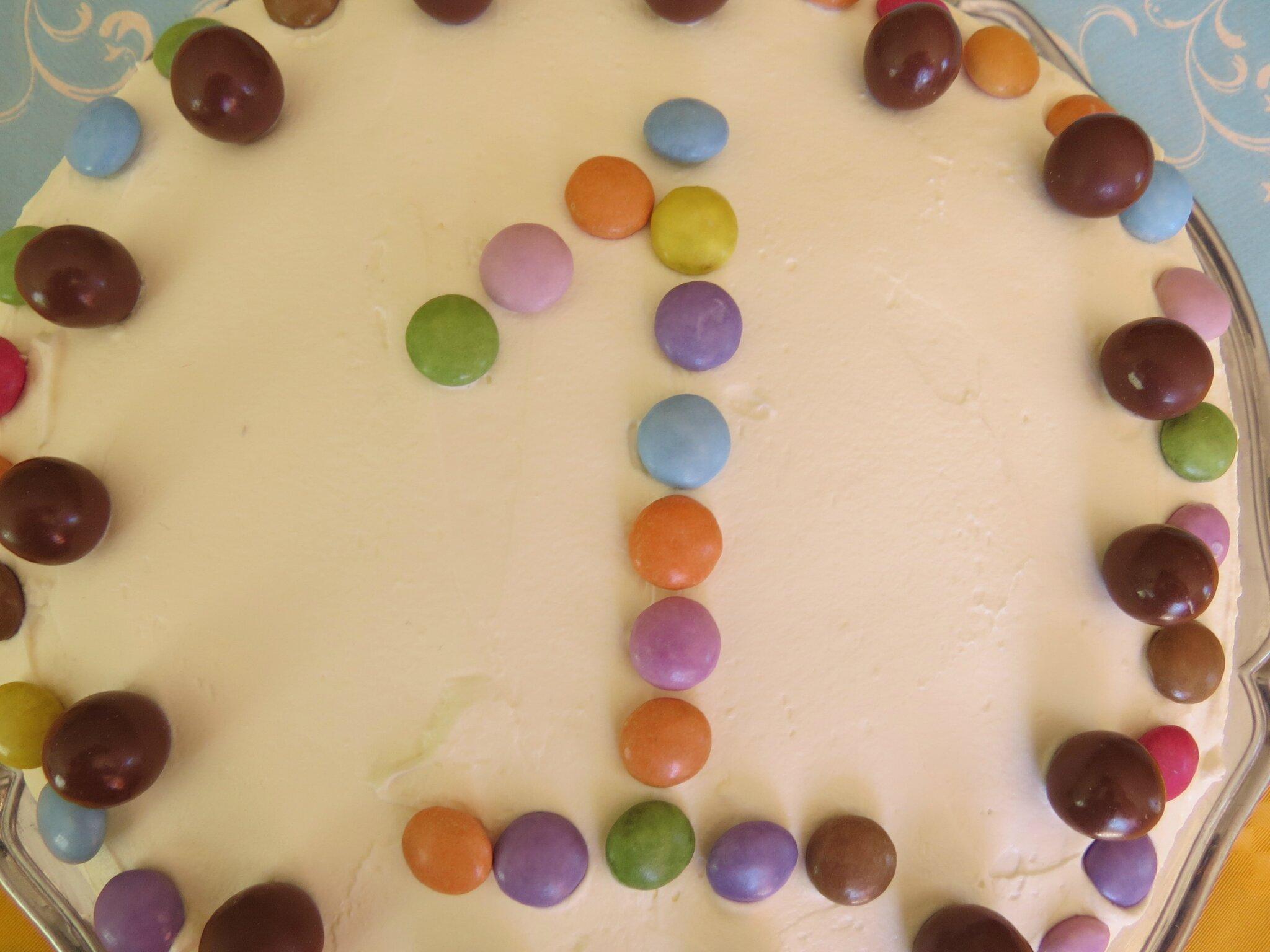 Un joli Rainbow cake pour les 1 an de Baptiste { Gâteau d'anniversaire #3 }