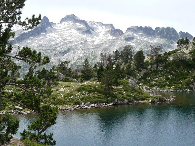 P1020988A Lac Aumar avec vue sur le pic de Néouvielle