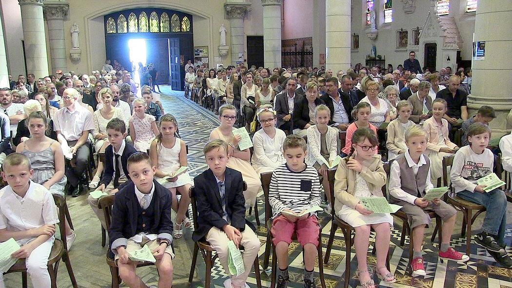 2018-05-27-entrées en eucharistie-VIEUX-BERQUIN (60)