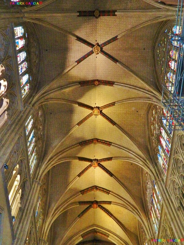 BAYONNE CATHEDRALE INT 990 174 copie