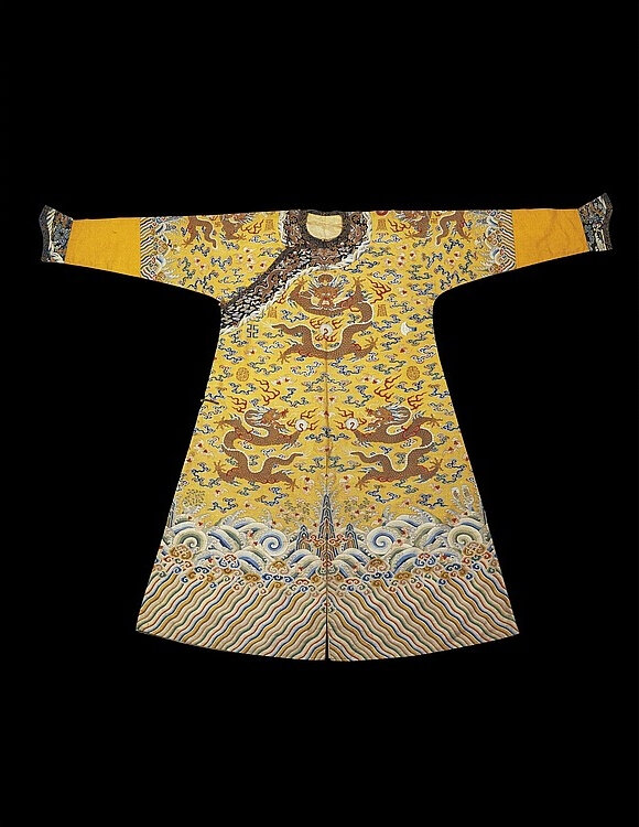 A rare and finely woven imperial kesi twelve-symbol robe, Qing dynasty, Qianlong period (1736-1795)