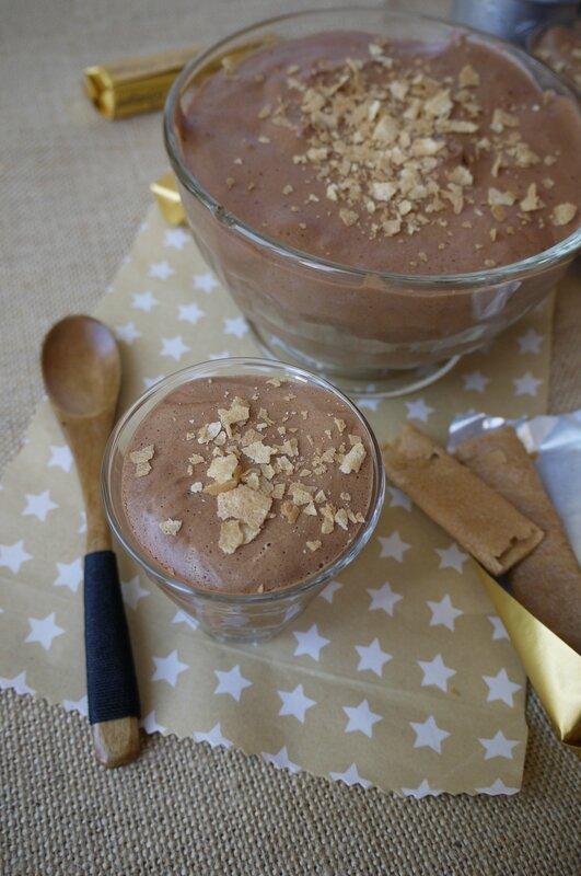 Mousse au chocolat, pralinoise et crêpes dentelles