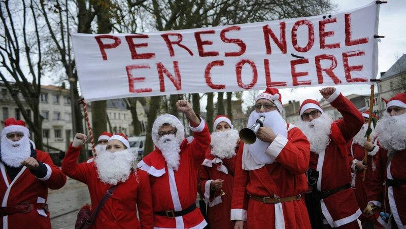 Manifestation de Pères Noel ...
