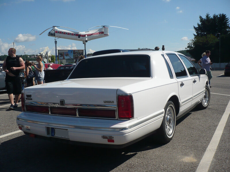 LINCOLN Towncar 4door Sedan Sinsheim (2)