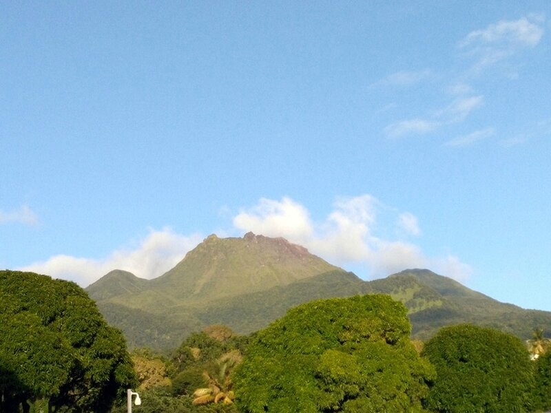 photo-volcan-soufriere-basse-terre-guadeloupe