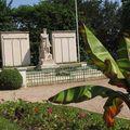 Monument aux morts parc Vauzelle Les Mureaux photo Ch.TETARD