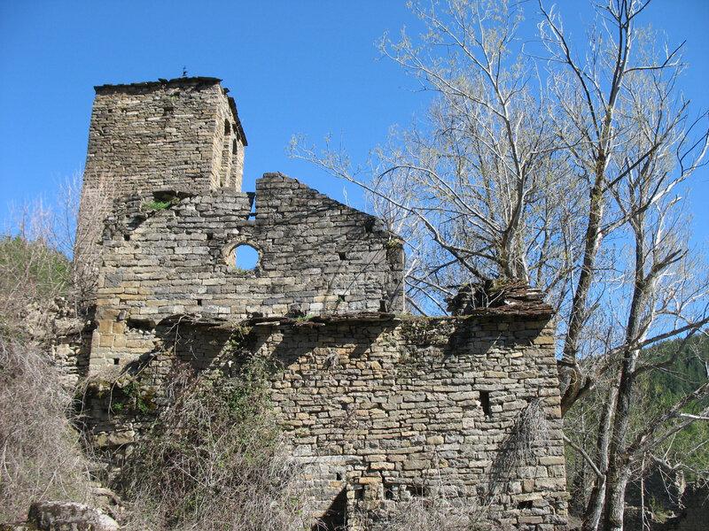 Larrosa, village, église San Bartolomé, profil (Espagne)