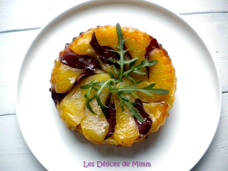 Tartelette Tatin au magret de canard et au piment d'Espelette