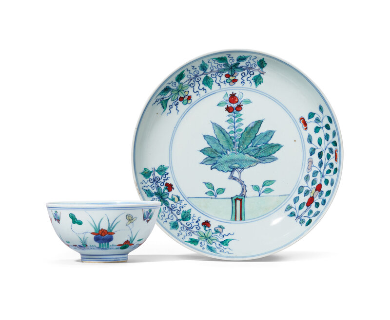 2019_HGK_16695_0040_000(a_doucai_lotus_pond_bowl_and_a_doucai_pomegranate_dish_qing_dynasty_18)
