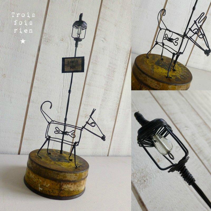 Lonely dog chien et lampadaire fil de fer (1)