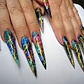 Des ongles interminables....