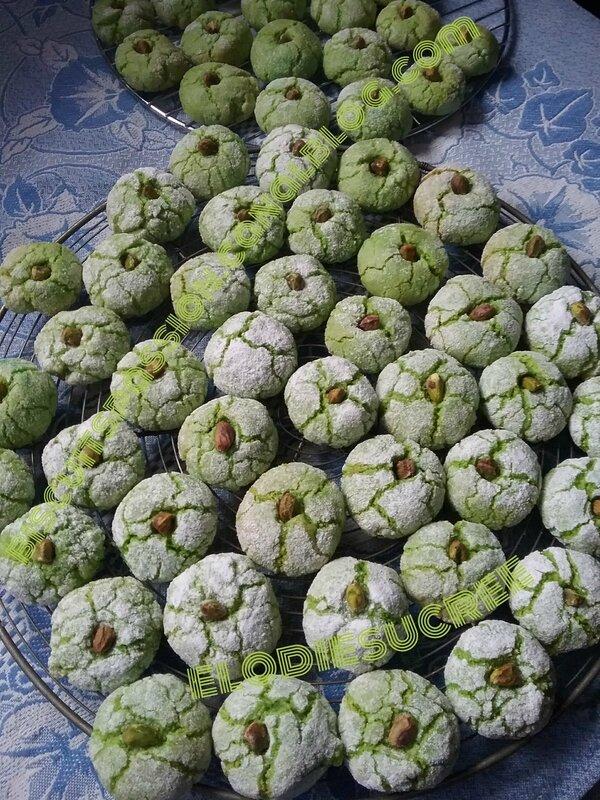 Amaretti à la pâte de pistaches 047