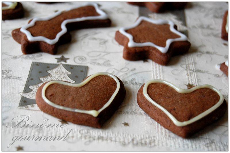 Biscuits Sablés Au Chocolat Et Petits Pains Dépices Binôme Gourmand