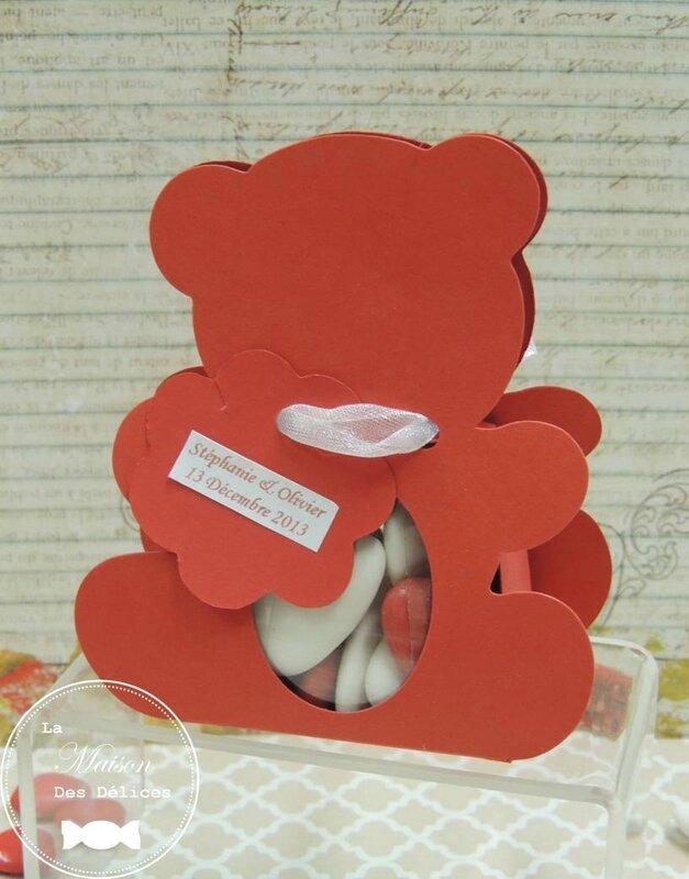 ballotin dragées baptême bonbonnière lapin sujet enfant rouge nounours ruban satin organza amande avola chocolat coeur2
