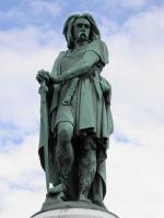 The_colossal_statue_of_Vercingetorix,_Alesia_(7701006540)