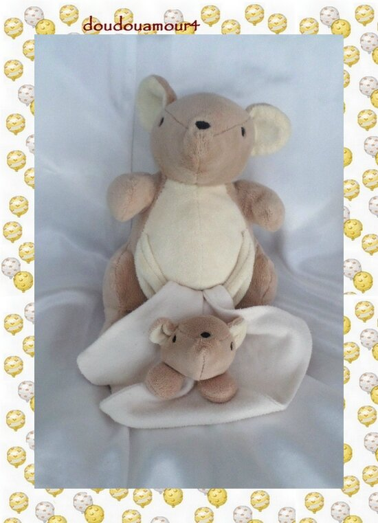doudou peluche kangourou et son b b beige mouchoir ecru nature et decouvertes doudouamour4. Black Bedroom Furniture Sets. Home Design Ideas