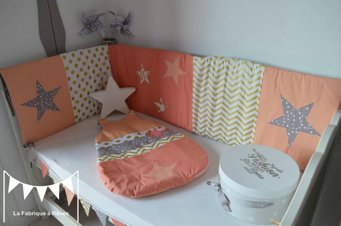 Decoration Chambre Bebe Fille Et Linge De Lit Corail Abricot