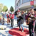 Clameur de haro contre l'interdiction de jouer de la musique en soutien aux gilets jaunes dans le centre-ville de caen!