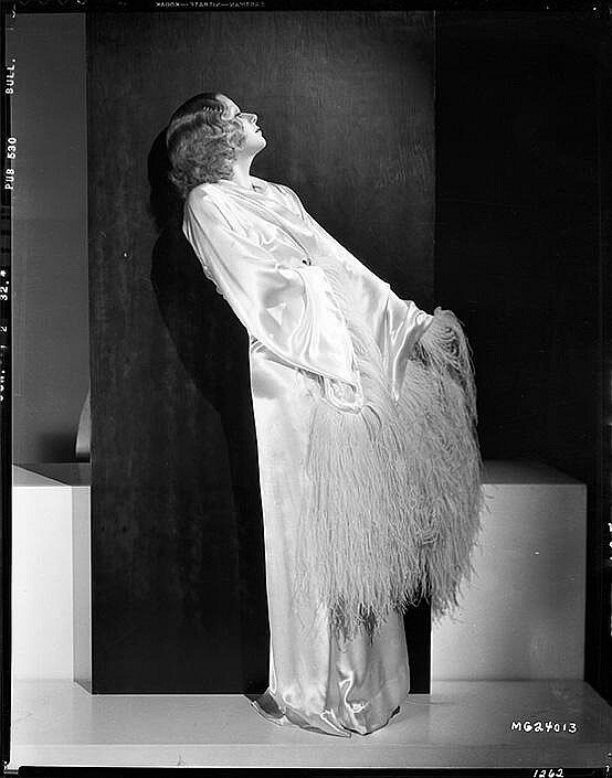 jean-1932-film-Red_Headed_Woman-publicity-1-2