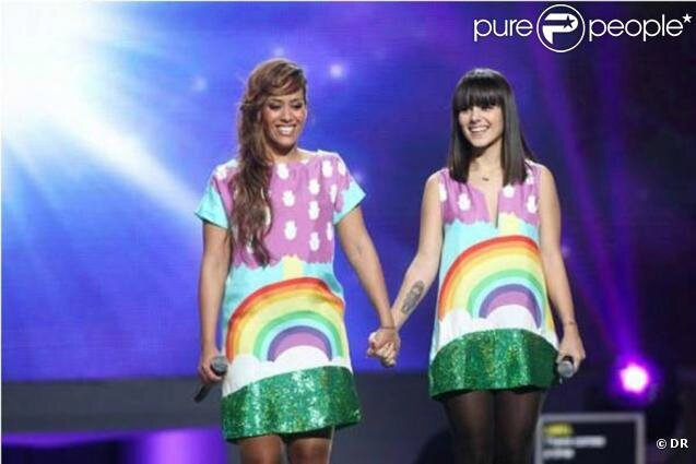 Alizée et Amel - Enfoirés 2010 - We are the world