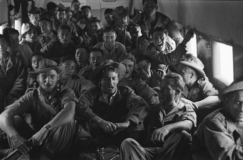 ob_2f17b2_1952-les-soldats-de-linares-survolent