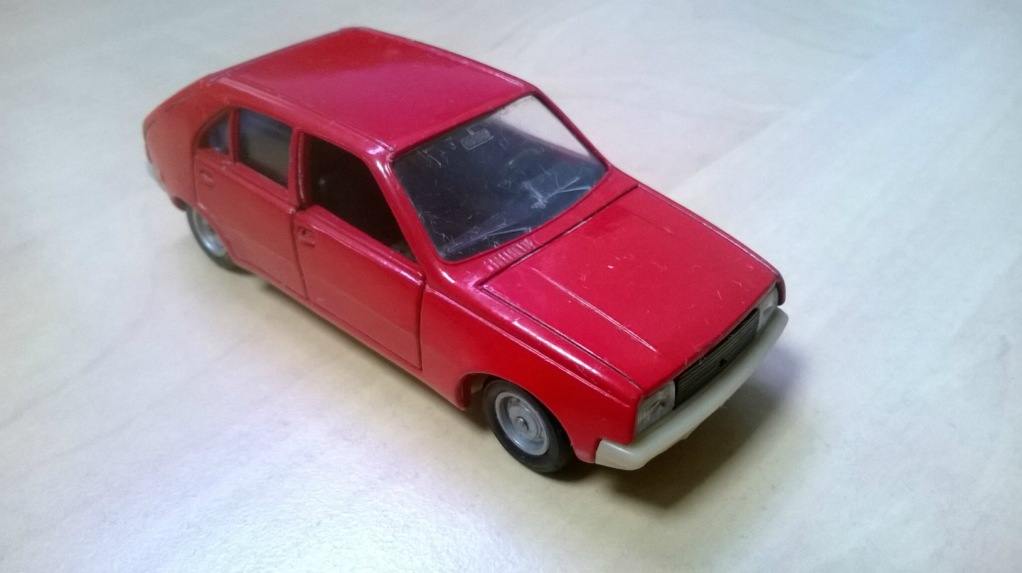 43a_Renault 14_04