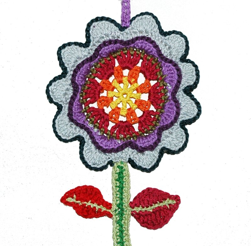 Fleur suspention en crochet